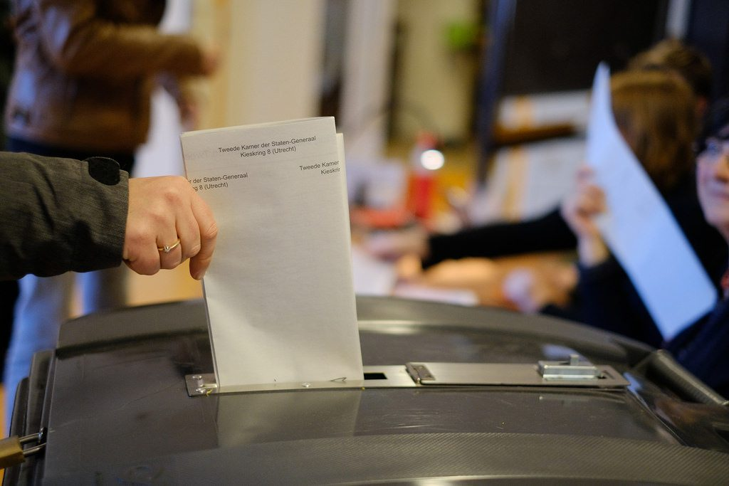 Should Paper ballot system be restored?