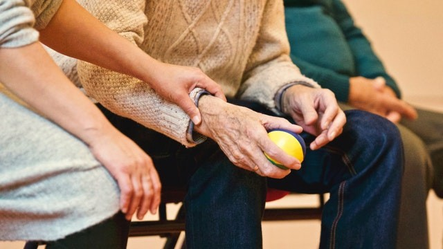retirement homes - pros & cons