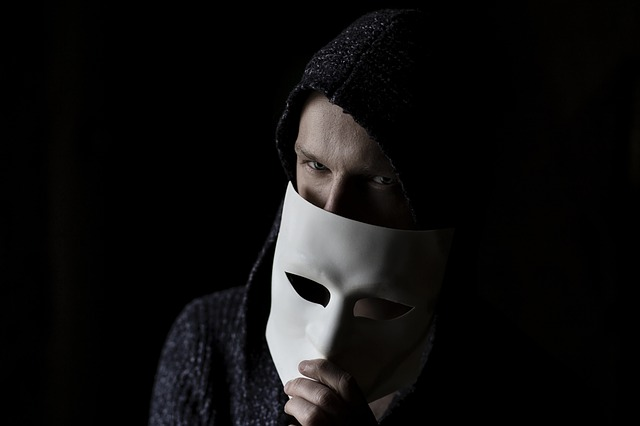 Should anonymity be allowed on the internet